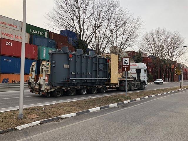 pastrello-trasporti-eccezionali-pesanti-grandi-dimensioni-trasformatore-parchi-solari-italia-grecia-montagna