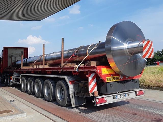 pastrello-trasporti-eccezionali-siderurgici-lunghezza-15-metri