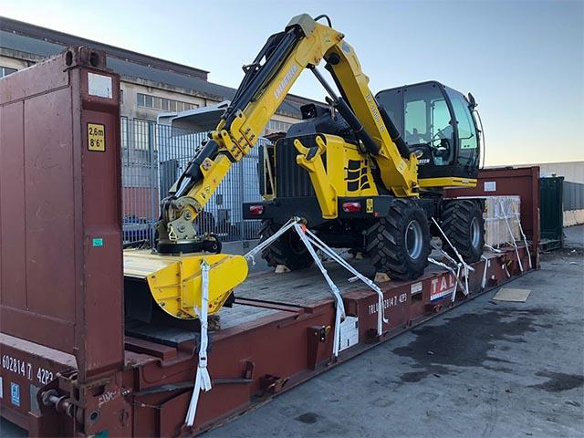 pastrello-trasporti-import-export-container-eccezionali-pesante-via-mare-trattore-su-rimorchio-flat-rack