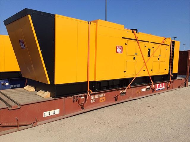 pastrello-trasporti-import-export-container-eccezionali-via-mare-flat-rack-motore-grandi-dimensioni